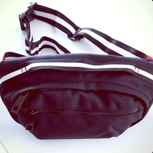 Handbags - Crossbody/Waist Pack Black And White With Red